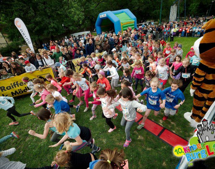 1000 KIDS hatten Spass beim 10.KinderBURGlauf